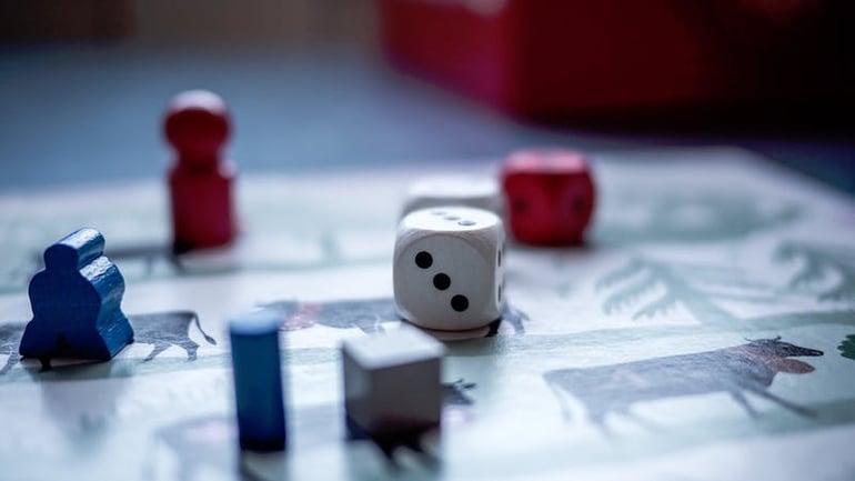 Brætspil til skiferie med børn med Danski.