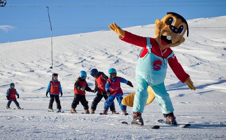danski-familie-skiferie-barn-skiskole