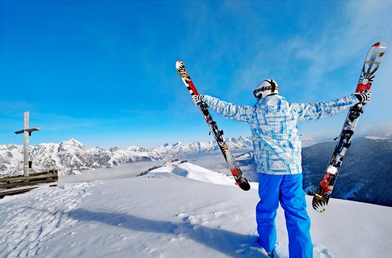 skier-danski-udsigt-alperne